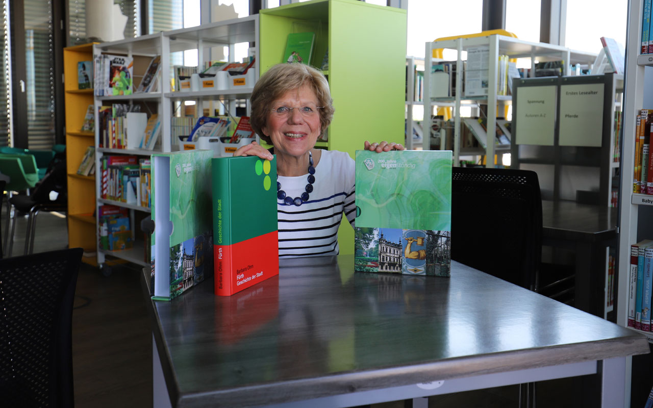 Historikerin Barbara Ohm hat die Neuauflage der Chronik